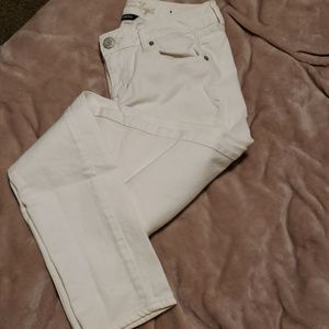 White American Eagle Skinny Jeans